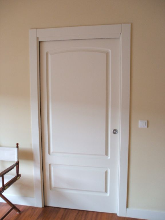 Dise os de puertas de madera carpinter a malmas n for Disenos de puertas de madera