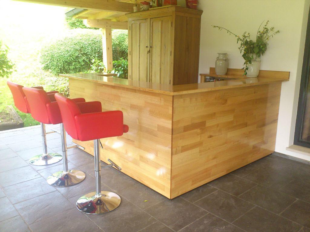 Dise os de puertas de madera carpinter a malmas n for Mueble bar exterior